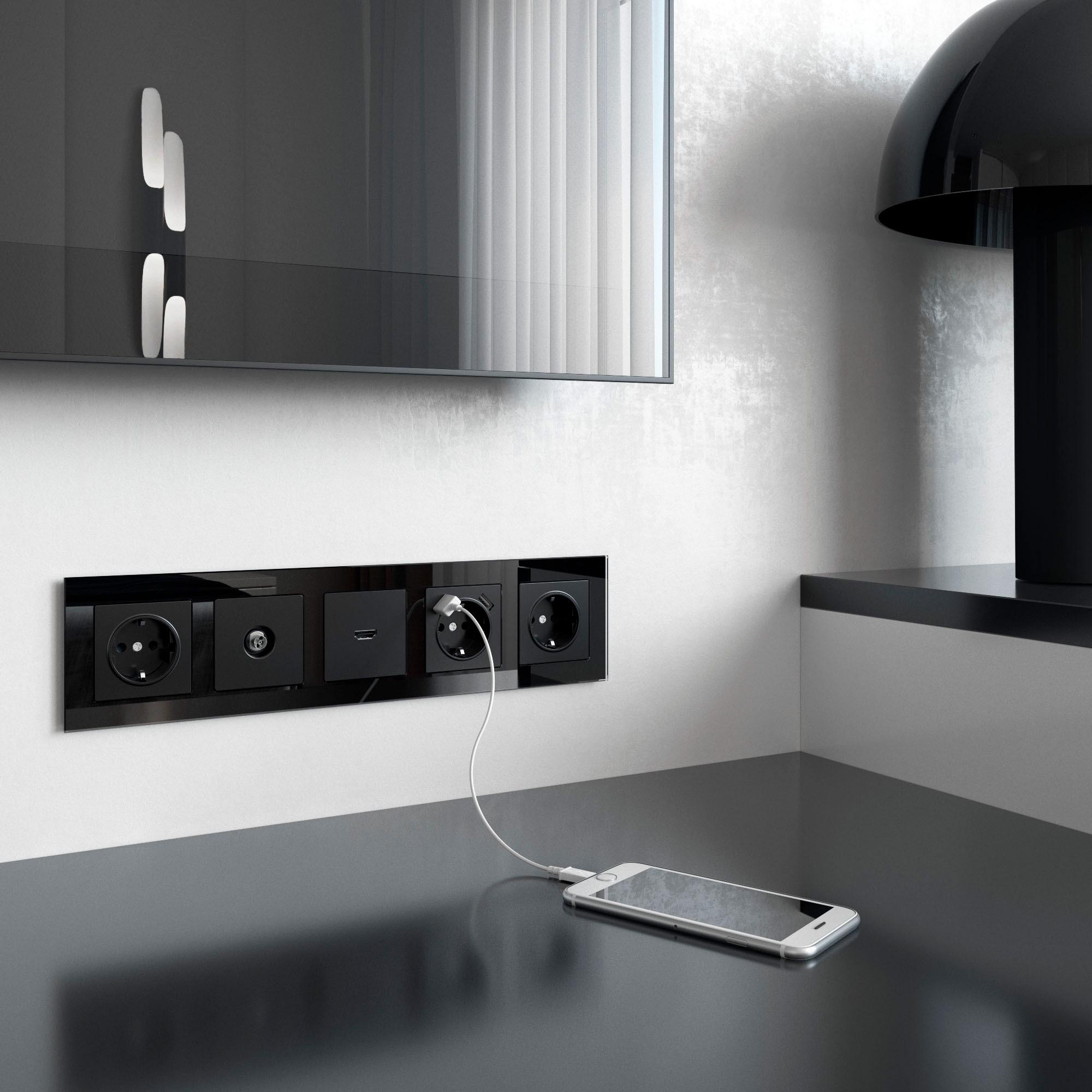 WL01-Frame-05 / Рамка на 5 постов (черный,стекло)