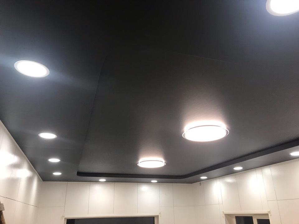 двухуровневые натяжные потолки заказать в абажуре