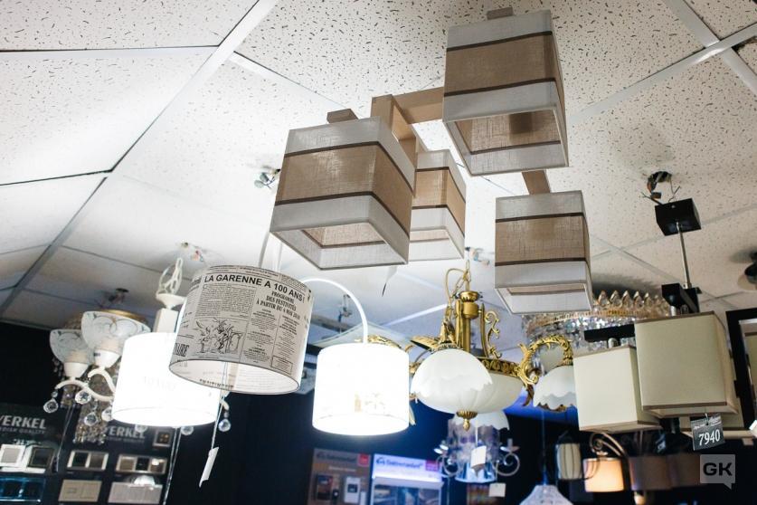 потолочные люстры в салоне Абажур