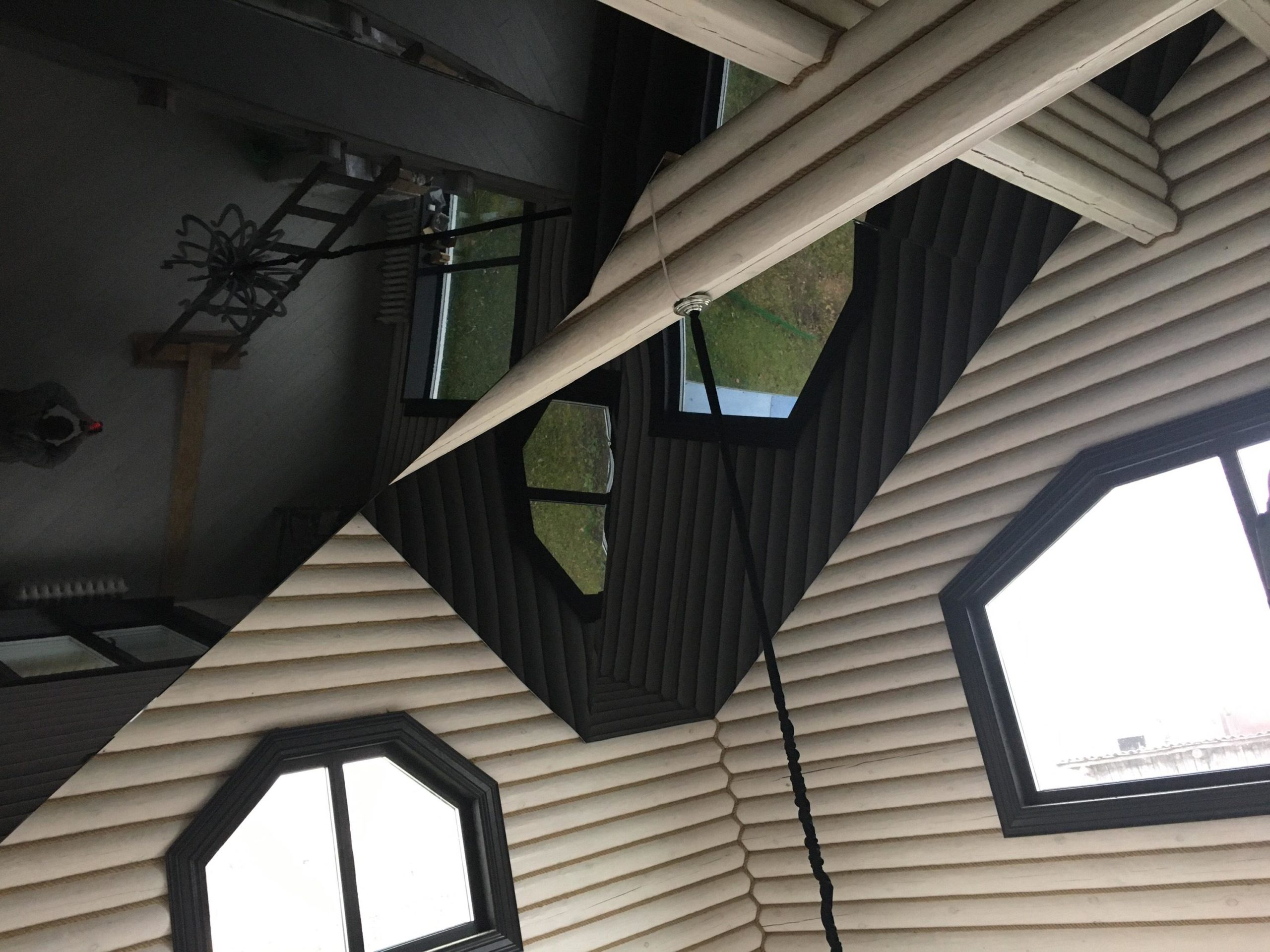красивые натяжные потолки под ключ в абажуре